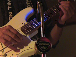 Vibesware Guitar_Resonator_Playing